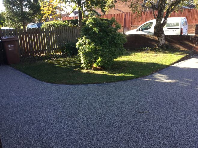 After image of a black moon resin driveway Leeds